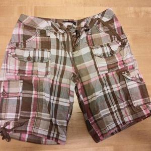 Women's Knee Length Plaid Cargo Shorts Size 4